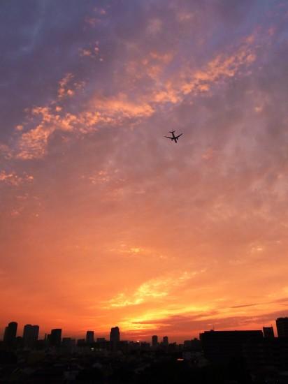 うちのベランダからは飛行機が良く見えます。